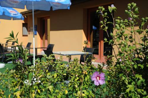 Comfort Hotel Bourg en Bresse : Hotel near Polliat