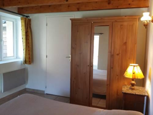 Résidence Les Quatre Saisons : Guest accommodation near Le Soulié