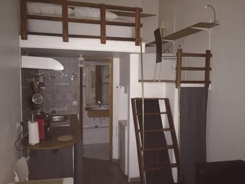 Chez Nahiko : Apartment near Palaiseau
