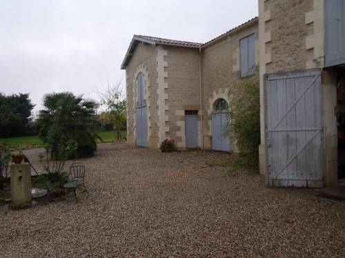 Holiday home Lussignet : Guest accommodation near Marmande