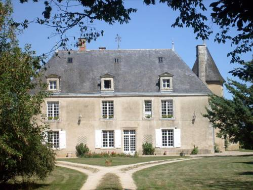 Château de Boiscoursier : Bed and Breakfast near Romagne