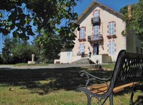 Castel Bois Clair : Bed and Breakfast near Le Mayet-d'École