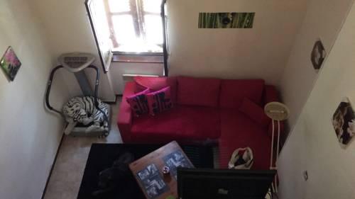 Villefranche sur Saone Studio : Apartment near Jassans-Riottier