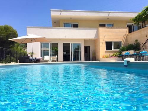 Villa Californienne à Nice : Guest accommodation near Colomars