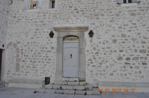 Gite au Coeur du Village : Guest accommodation near Escragnolles