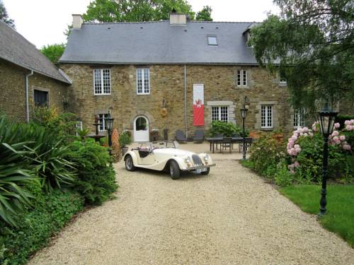 Manoir Desnachez : Bed and Breakfast near Saint-Malo-des-Trois-Fontaines