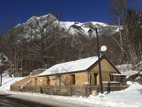 Chalet Chardon : Guest accommodation near Saint-Christophe-en-Oisans