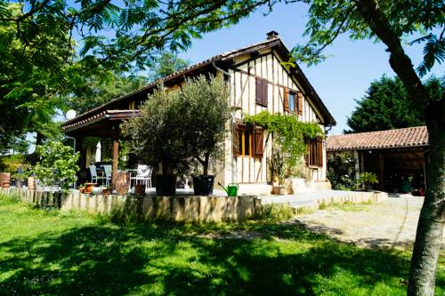 Jouéou : Guest accommodation near Vic-Fezensac