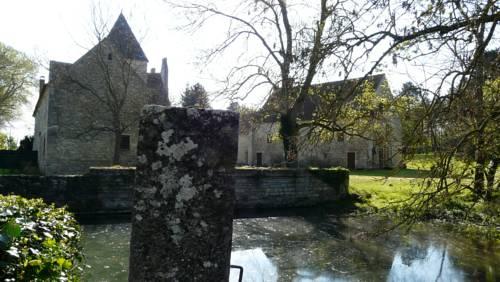 commanderie de Villemoison : Guest accommodation near Cosne-Cours-sur-Loire
