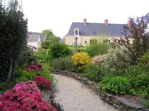 La Maison de Nicolas au Clos des Guibouleraies : Bed and Breakfast near Angrie
