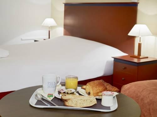 Kyriad Prestige Joinville-Le-Pont : Hotel near Joinville-le-Pont