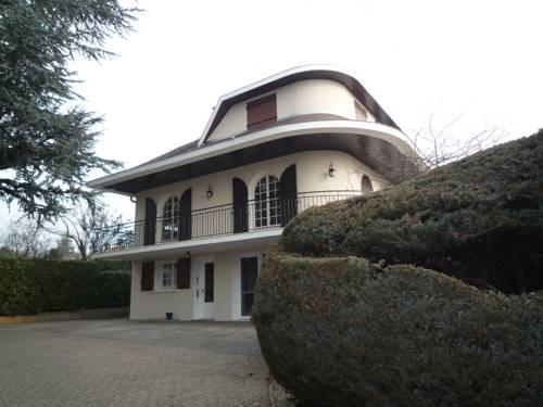 La Maison Des Bonheurs : Bed and Breakfast near Miribel