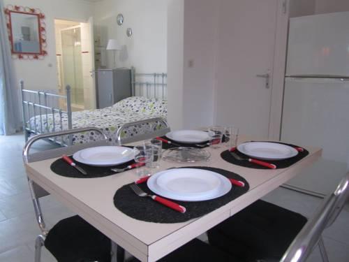 Residence Alassa : Apartment near Montévrain