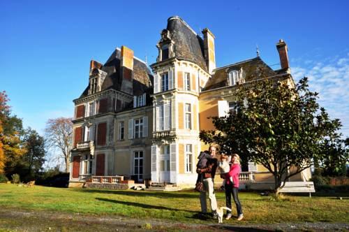 Château Le Breil : Bed and Breakfast near Chemillé