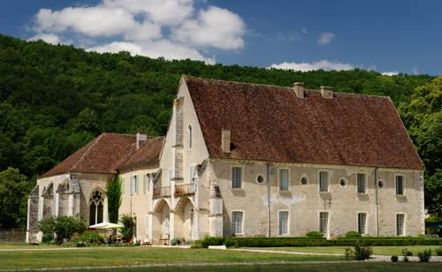 Abbaye de Reigny : Bed and Breakfast near Arcy-sur-Cure