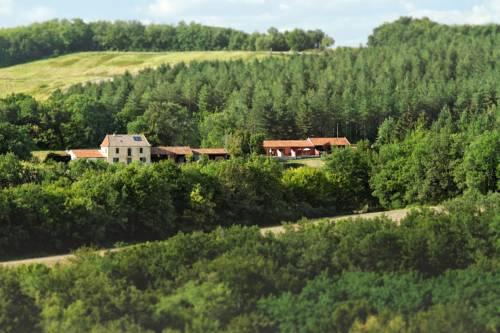 Gîtes Les Vieux Chênes : Guest accommodation near Armous-et-Cau