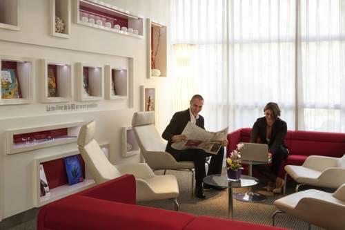 Novotel Evry Courcouronnes : Hotel near Morsang-sur-Seine