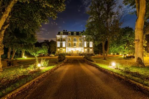 Logis le Manoir de Sauvegrain : Hotel near Saint-Forget