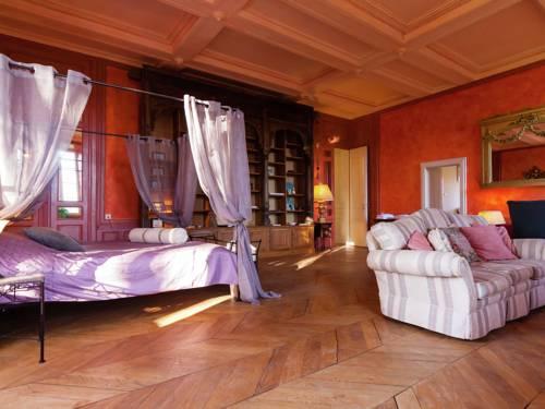 Chambre Rouge : Apartment near Saint-Priest-les-Fougères
