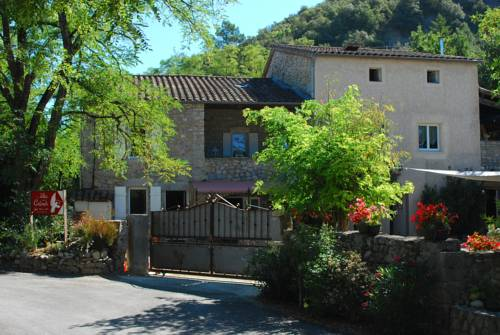 Le Mas de la Colombe : Bed and Breakfast near Saint-Alban-Auriolles