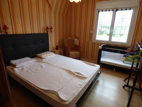 Gite Les Champs : Apartment near Annoville