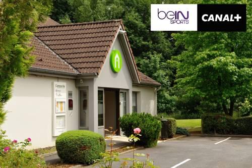 Campanile Sedan : Hotel near Angecourt