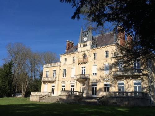 Château de la Rocherie : Bed and Breakfast near Pougues-les-Eaux
