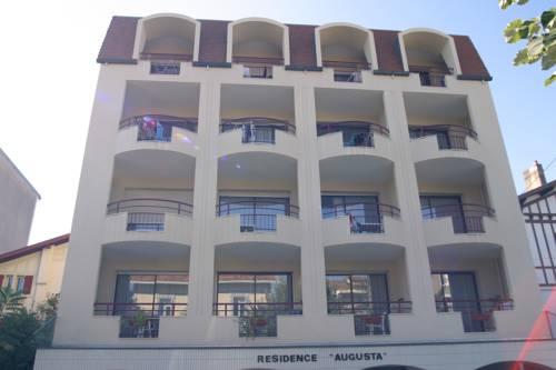 Résidence Augusta : Hotel near Landes