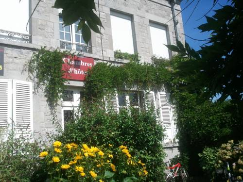 Le Point du Jour : Bed and Breakfast near Monthermé
