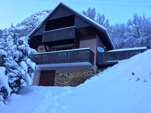 Chalet Verney : Guest accommodation near Allemond