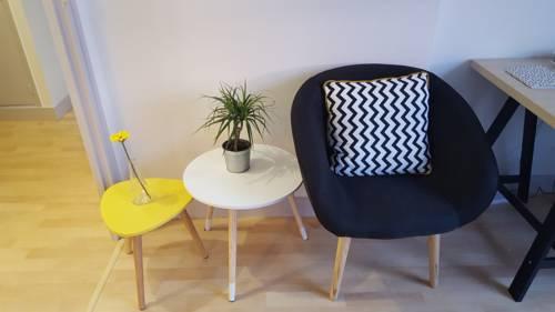 Studio En Centre Ville : Apartment near Querqueville