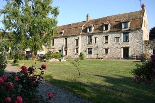 La Fauconnerie Du Roy : Bed and Breakfast near La Falaise