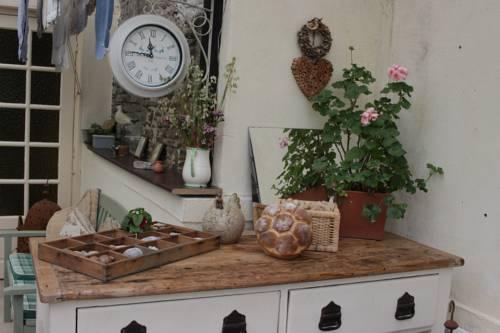 Hirondelle Farm House & Tearoom : Bed and Breakfast near Saint-Lô