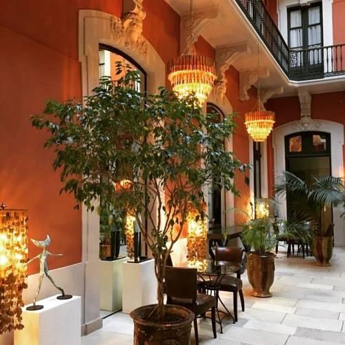Le Grand Hotel : Hotel near Sète