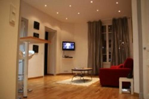 Leopold Bucquet Apartment : Apartment near Cannes