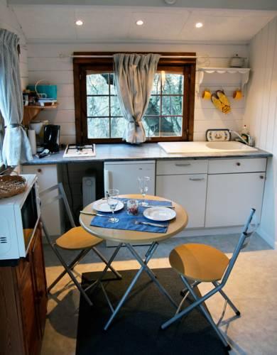 La Cigale : Guest accommodation near Aspremont
