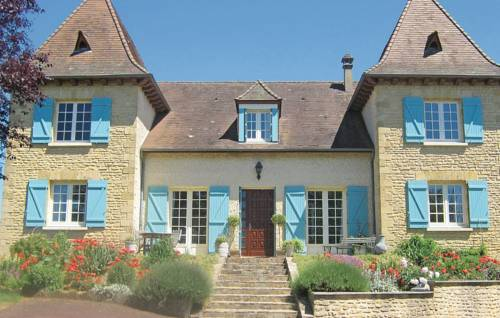 Holiday home Les Champagnes Est : Guest accommodation near Azerat