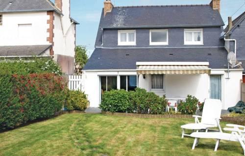 Holiday home rue de Verdun : Guest accommodation near Louannec