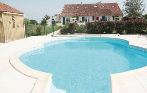Holiday Home La Bonniniere : Guest accommodation near Largeasse