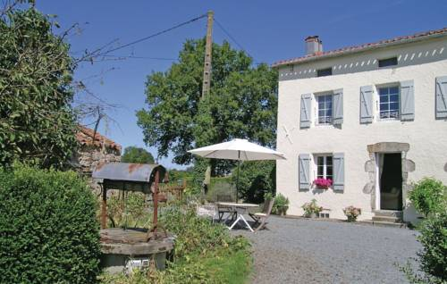 Holiday Home La Richardiere : Guest accommodation near Largeasse