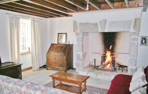Holiday home La Davillerie : Guest accommodation near Aumeville-Lestre