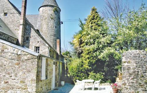 Holiday home Manoir du Val Jouet : Guest accommodation near Bricquebec