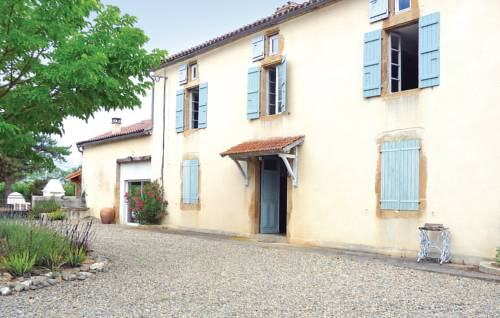Holiday Home Les Rouges : Guest accommodation near Riscle