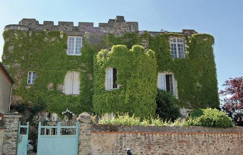 Holiday Home Le vieux Chateau - 08 : Guest accommodation near Beaupréau