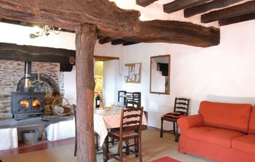 Holiday home La Cornuaille 51 : Guest accommodation near Angrie