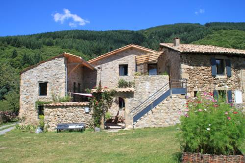 La Demeure des Maitres : Bed and Breakfast near Juvinas