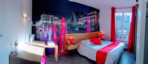 Hôtel du cirque Troyes centre historique : Hotel near Troyes