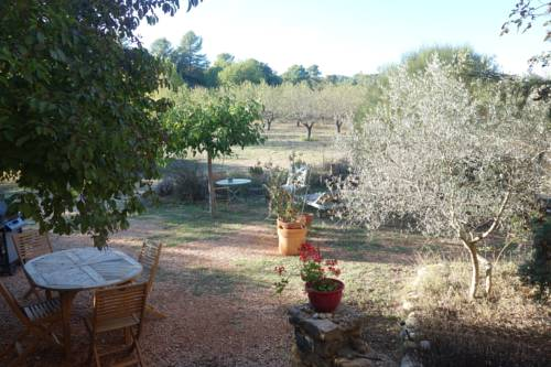 Le clos des collines : Bed and Breakfast near Allemagne-en-Provence