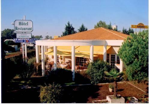 Inter Hotel Le Cottage d'Amphitryon : Hotel near Pessac