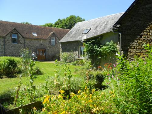 Haras de La Croix d'Argent : Bed and Breakfast near Chahains